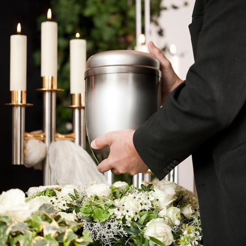 Der Bestatter – Spezialist in Sachen Trauer – Urnenbestattung