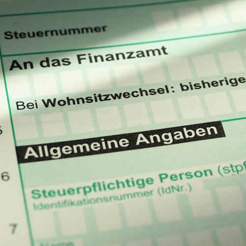 Erbschaftssteuer und Schenkungssteuer: drei Steuerklassen regeln die unterschiedliche Freibeträge und Steuersätze
