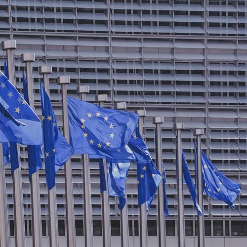 Europäische Erbrechtsverordnung (EU-ErbVO) regelt nicht das materielle Erbrecht, sondern regelt nur, welches nationale Erbrecht auf den Erbfall anzuwenden ist.