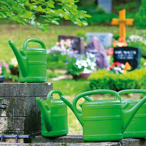 Grabpflege – Friedhofsgärtner sind die Experten für die nachhaltige und jahreszeitlich passende Grabpflege.