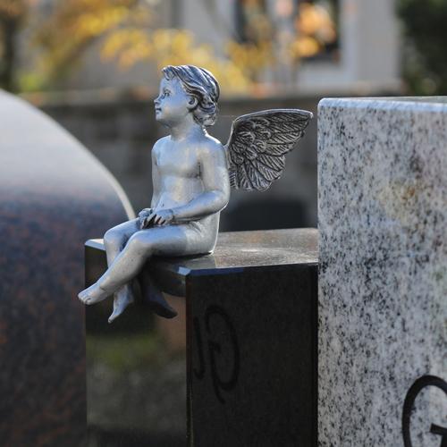 Grabmale – Zeichen der Erinnerung: Engelskulptur